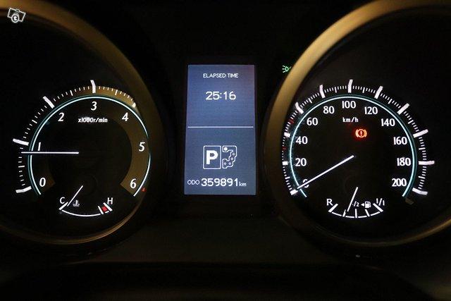 Toyota Land Cruiser 14