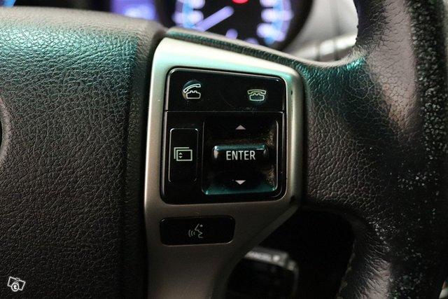 Toyota Land Cruiser 23