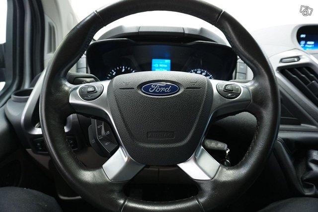 Ford Tourneo Custom 20