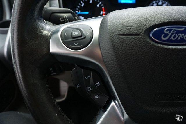 Ford Tourneo Custom 21