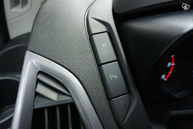 Ford Tourneo Custom 23