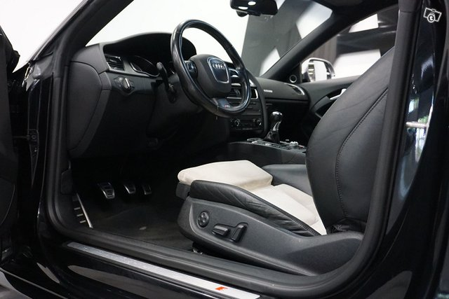 Audi S5 25