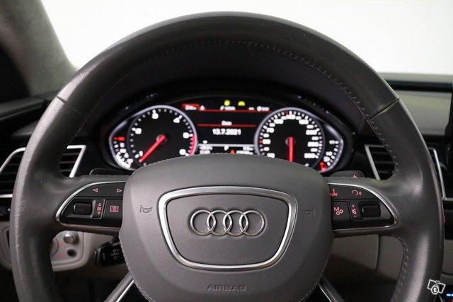 Audi A8 24