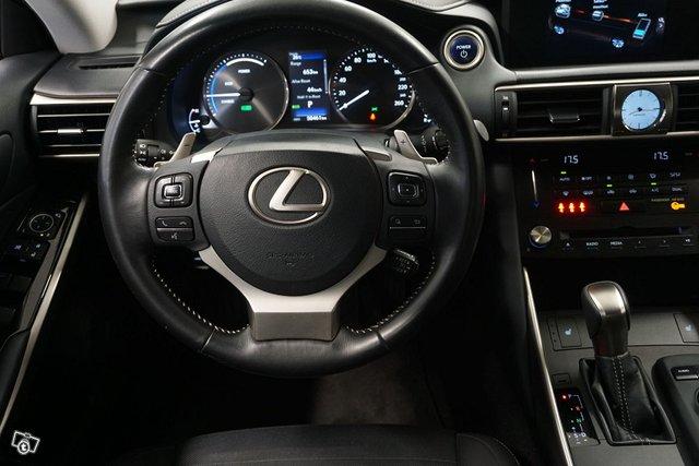 Lexus IS 15