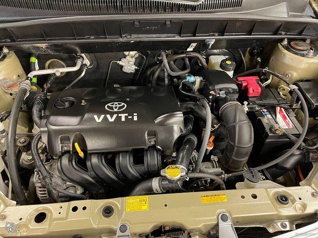Toyota Yaris Verso 11