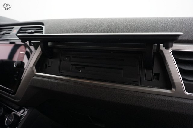 Volkswagen Touran 19