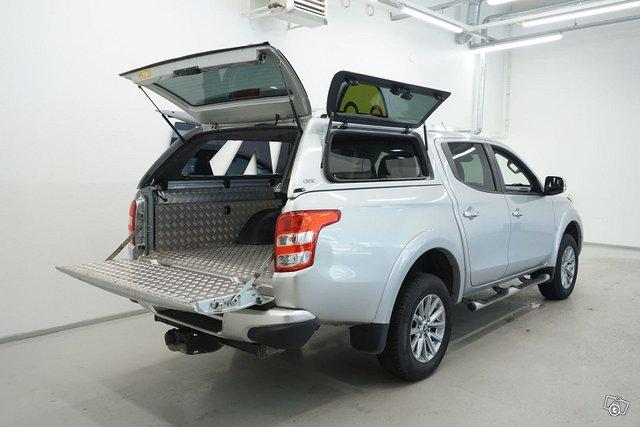 Mitsubishi L200 9