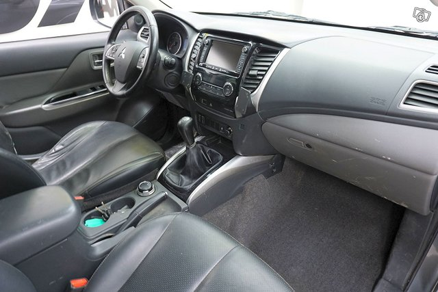 Mitsubishi L 200 11