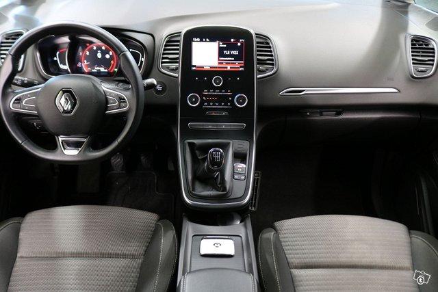Renault Scenic 8