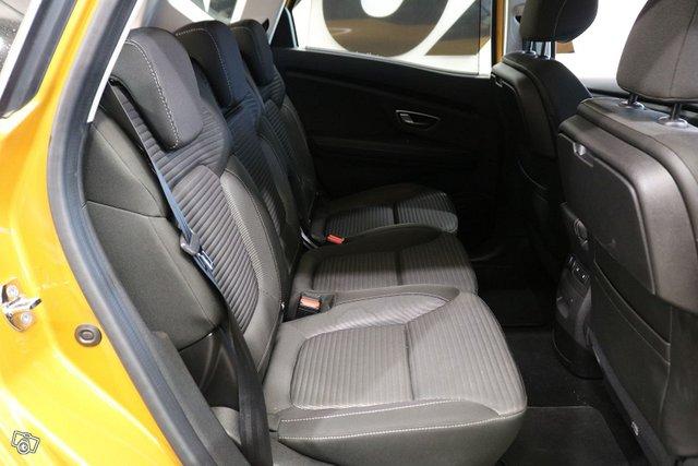 Renault Scenic 11