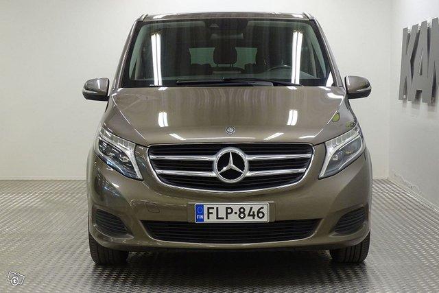 Mercedes-Benz V 9