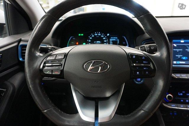 Hyundai Ioniq 15