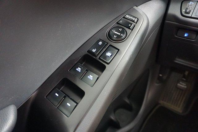 Hyundai Ioniq 19