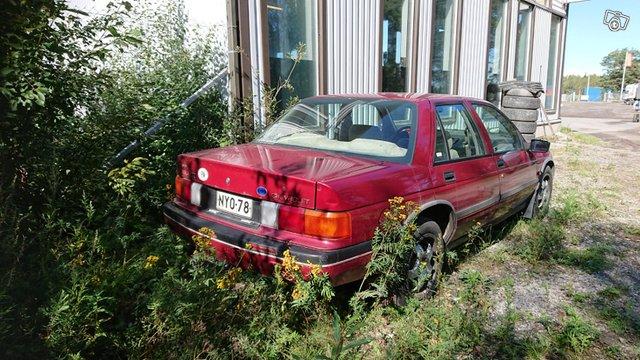 Chevrolet Corsica 2