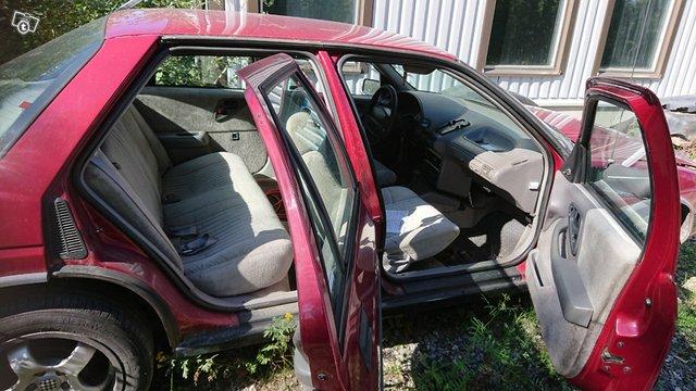Chevrolet Corsica 4