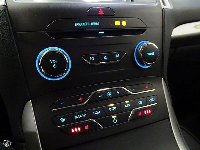 Ford Galaxy 21