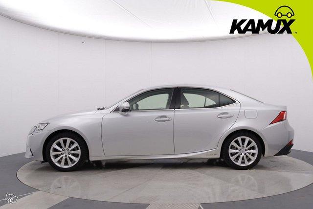 Lexus IS 7