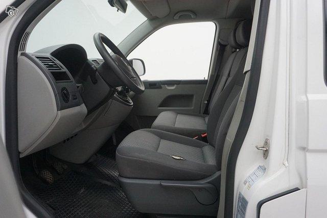 Volkswagen Caravelle 16