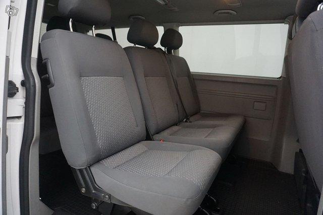 Volkswagen Caravelle 18