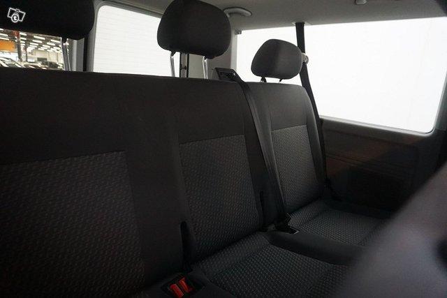 Volkswagen Caravelle 19