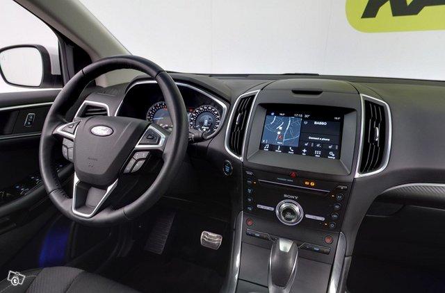 Ford Edge 11