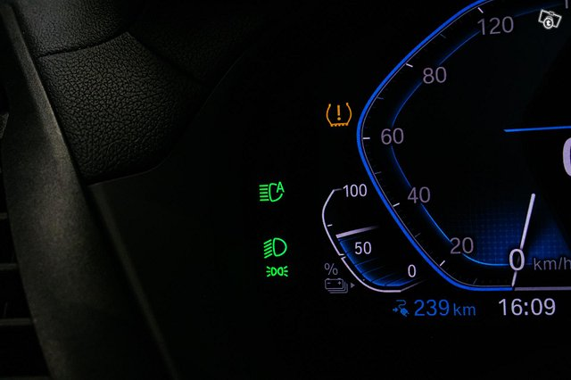 BMW IX3 15
