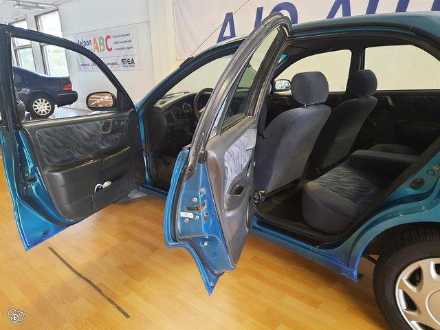 Toyota Carina 8