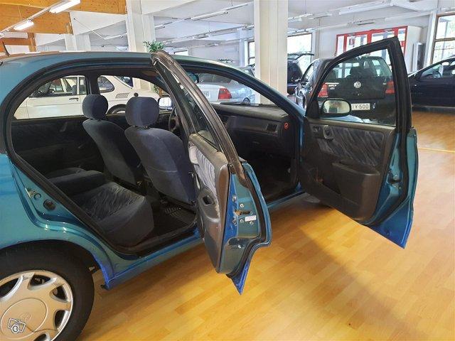 Toyota Carina 11