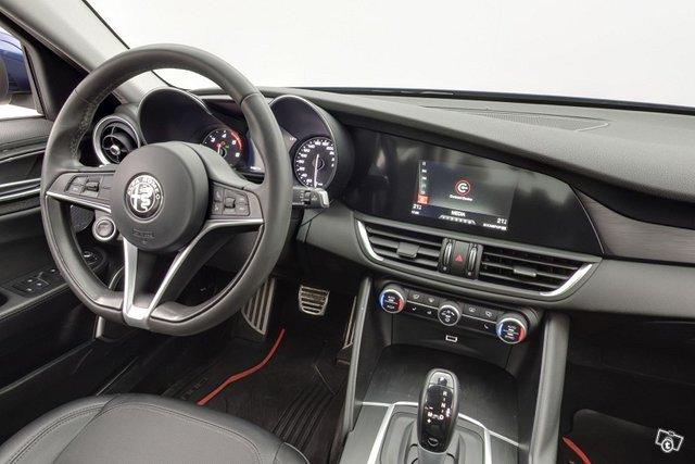 Alfa Romeo Giulia 11