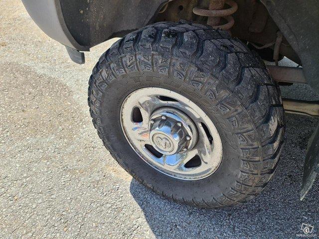 Dodge Ram 2500 14