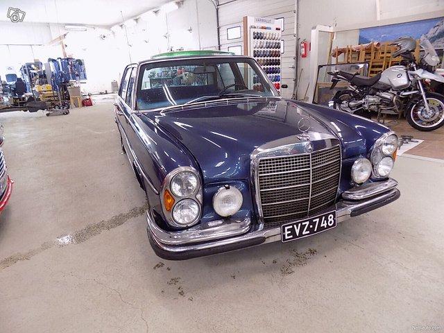 Mercedes-Benz SEL 9