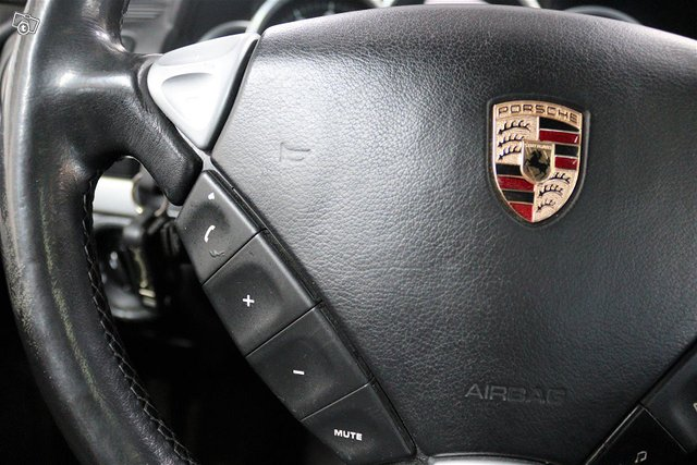 Porsche Cayenne 18