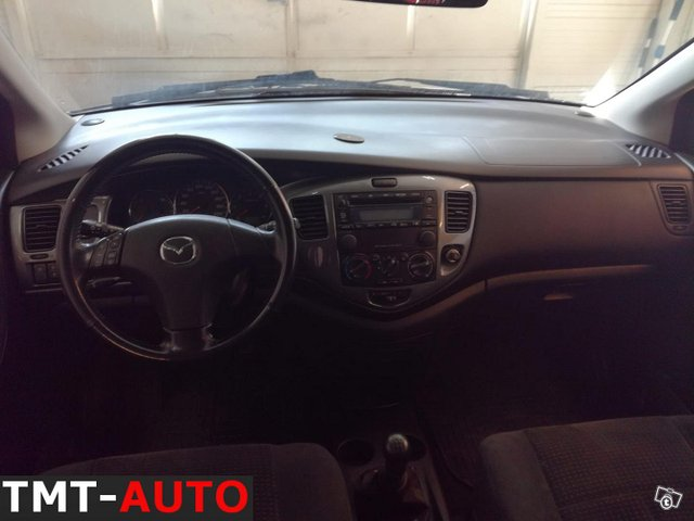 Mazda MPV 8