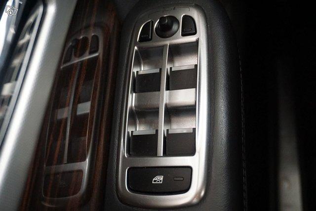 Jaguar XF 25
