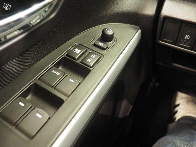Suzuki SX4 17