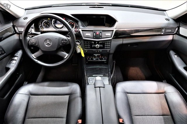 Mercedes-Benz E 2