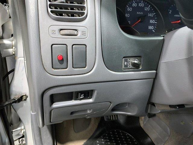 Nissan Cab 9