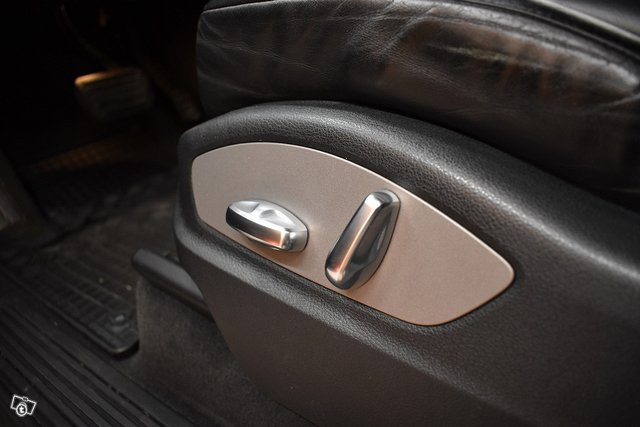 Porsche Cayenne 25