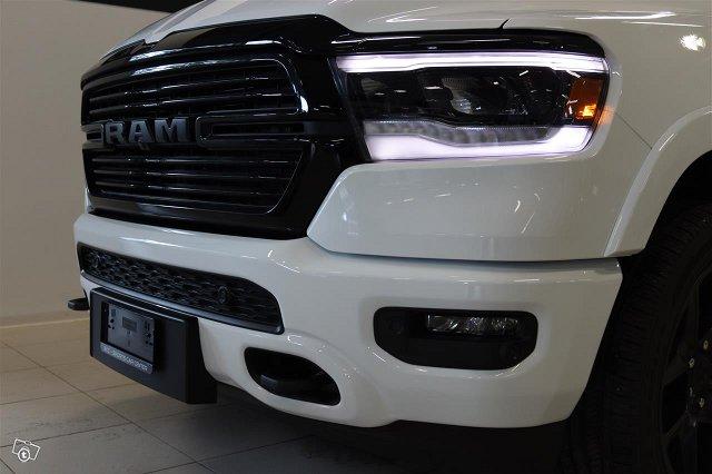 Dodge RAM 17