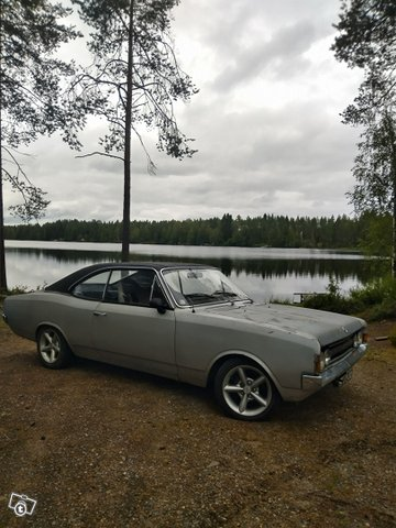 Opel Commodore 2