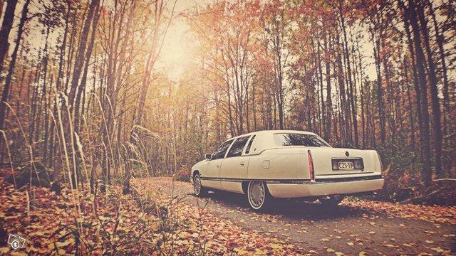 Cadillac De Ville 6
