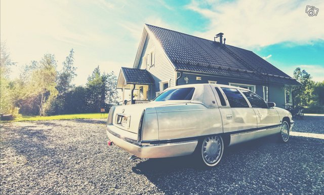 Cadillac De Ville 12