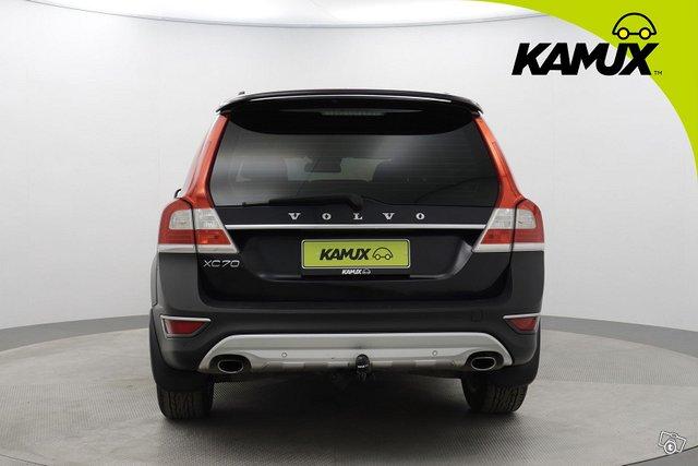 Volvo XC70 5