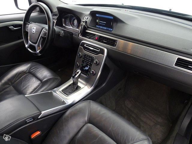 Volvo XC70 11