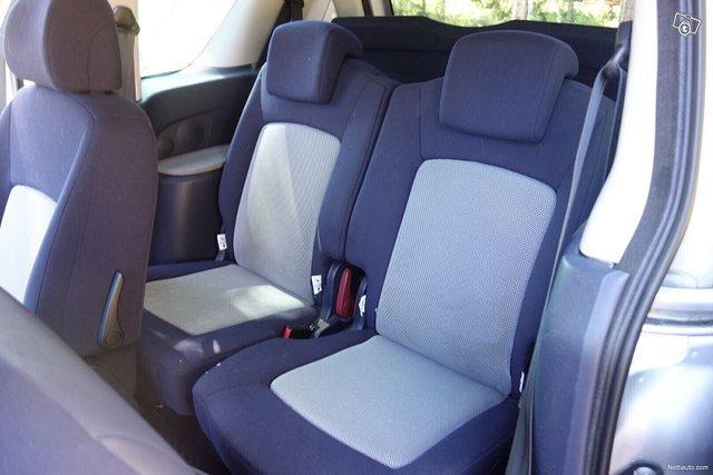 Peugeot 1007 7