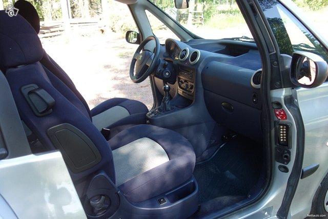 Peugeot 1007 8