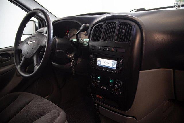 Chrysler Grand Voyager 11