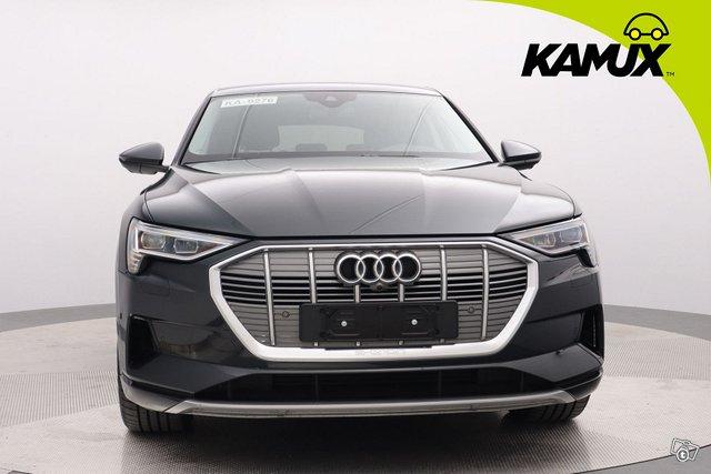 Audi E-tron 8