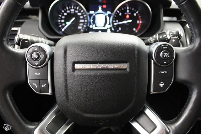 Land Rover Discovery 17