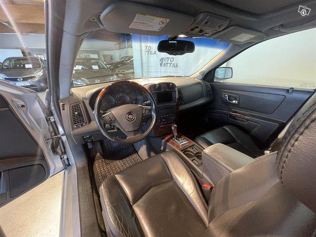 Cadillac SRX 8